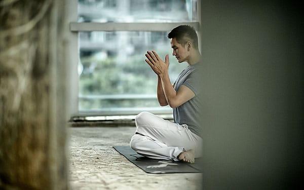 Online Yoga Mindfulness - TINT Yoga Magazine