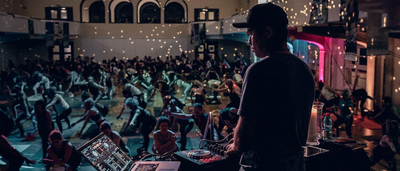 DJ Sol Rising at the TINT Yoga Austria Conference 2020