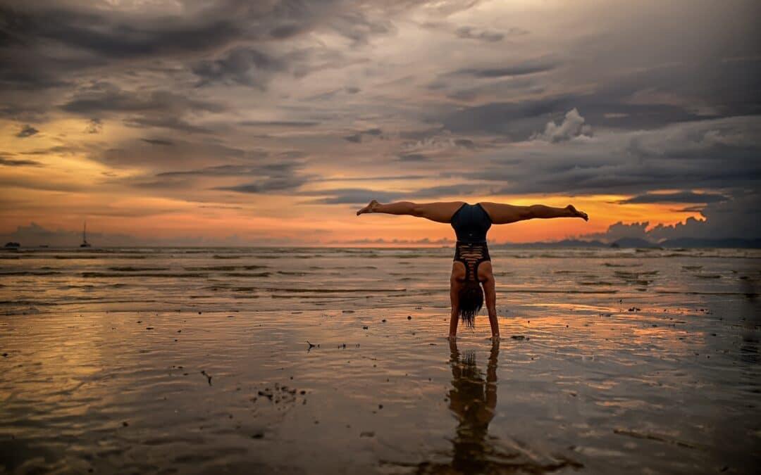 Yoga-Umkehrhaltungen – Entdecke Die Welt kopfüber